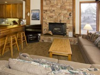 Canyon Ski & Racquet #1 - Mammoth Lakes vacation rentals
