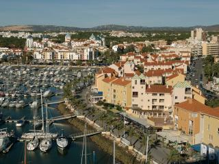 ONE BEDROOM APARTMENT WITH BALCONY IN FRONT OF THE VILAMOURA MARINA AND NEAR THE BEACH REF.MPL111036 - Quarteira vacation rentals