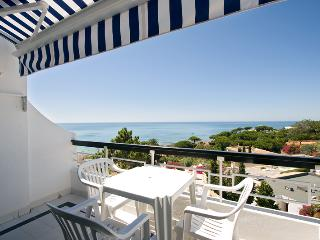 STUDIO WITH SEA OR GARDEN VIEW IN OLHOS DE AGUA REF. APPQ109997 - Olhos de Agua vacation rentals