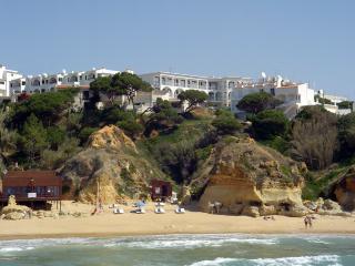 TWO BEDROOM APARTMENT WITH SEA OR GARDEN VIEW IN OLHOS DE AGUA - ALBUFEIRA - REF. APPQ110006 - Albufeira vacation rentals
