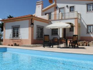 Holiday Villa in Sintra and Lisbon for 6  people with Swimming Pool and Internet - PT-1078448-Sintra-Lissabon - Sintra vacation rentals