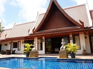 4 Bedroom Thai Style Pool Villa for Rent in Naiharn - nai49 - Kata vacation rentals
