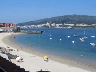 Quiet, Bright,centrally Situated On The Beach - Galicia vacation rentals