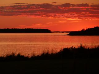 Baker Shore Cottage - An Oceanfront Vacation Home - Summerside vacation rentals