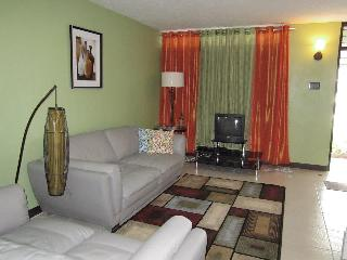 A quiet oasis in the city of Kingston which offers short - term rental - Alligator Pond vacation rentals