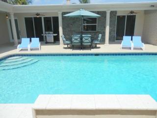 Ultra Private Pool 4/4 for 14 Close to Everything 460 - Hallandale vacation rentals