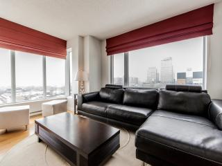 Luxury 2 Bdrm  Downtown Condo 800161 - Montreal vacation rentals