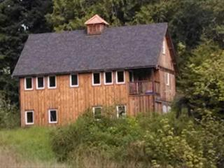 New & Stylish, Hidden Country Home on 5 Acres: Open Fields, Redwoods & Sauna - North Coast vacation rentals