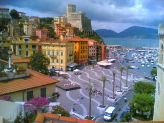 50 meter in front of the beach - Lerici vacation rentals