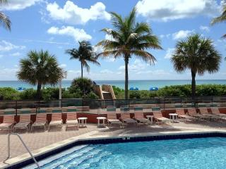 Oceanfront Lake View Beachfront Heated Pool PH5 - Hollywood vacation rentals