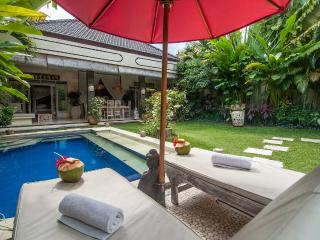 3 BEDROOMS PRIVATE VILLA IN SEMINYAK, SAFE & PEACEFULL - Seminyak vacation rentals