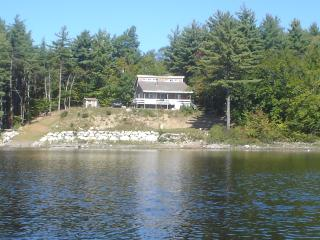 Lovely Family Cottage on PON HOOK Lake - Queens County vacation rentals
