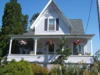 36 Main Avenue - Spacious 3 Bedroom, 2 Bathroom Home w/ Breathtaking Ocean views - Saco vacation rentals