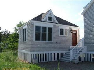 Cute & Compact One Bedroom Oceanfront Cottage - Saco vacation rentals