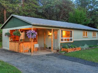 Ruch Bungalow - Southern Oregon vacation rentals