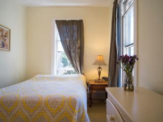 Cozy Vacation Apt. near Downtown Grand Haven - Grand Haven vacation rentals