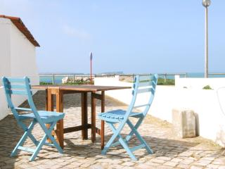 Isabela Apartment, 2 bedroom apartment in Baleal Island - Peniche vacation rentals