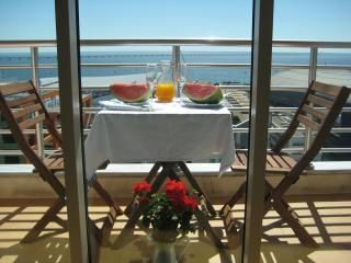 Haven in Lisbon. Balcony with stunning river views - Lisbon vacation rentals