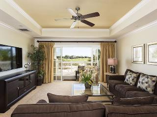 Centre Court Deluxe - Luxury 3 Bed Condo with AMAZING VIEWS! - Reunion vacation rentals