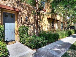 2BR / 2.5 BA Townhome in Upscale Turtle Ridge Community (3762641) - Orange County vacation rentals
