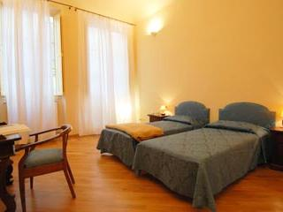 Beautiful 3 bedroom apartment in Florence - Florence vacation rentals