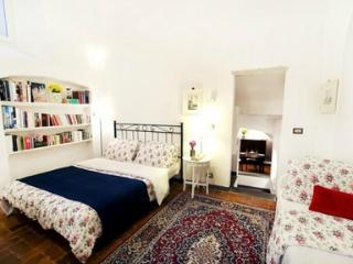 Santa Caterina apartment in Florence - Paris vacation rentals