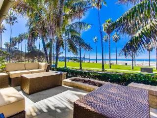 Chic La Jolla Tradewinds with panoramic ocean views, outdoor lounge area & fire pit - La Jolla vacation rentals