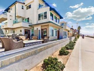 Ideally located luxury villa Ocean Front One South with beach access & many entertainement options - La Jolla vacation rentals