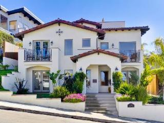 Elegant Spanish-style Villa Pacifica with rooftop deck & stunning panoramic ocean views - La Jolla vacation rentals