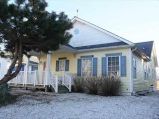 Bennett Beach Bungalow 122101 - Image 1 - Cape May - rentals