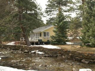 Romantic Cottage on the river near Estes Park - Lyons vacation rentals
