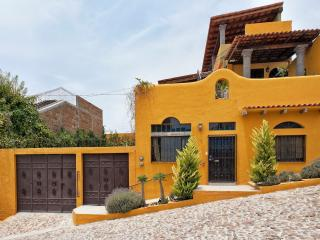 Artistic Tranquil Casita with Great Views - Central Mexico and Gulf Coast vacation rentals
