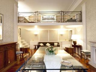 RESIDENZA NAVONA: LIVE YOUR DREAM - Rome vacation rentals