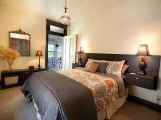 End of Aug Special-Stay 3 get the 4th Night  FREE! - Saint Louis vacation rentals