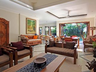 Nice rate 5 Bedroom Private Pool Villa - Ubud vacation rentals