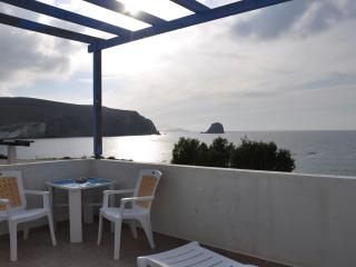 Sunset beachouse in Pollonia - Cyclades vacation rentals