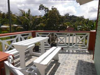 Dee's Inn by the beach - Calibishie vacation rentals