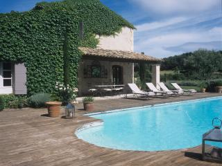 Provence- Paradou - France vacation rentals