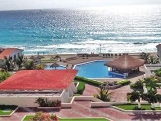 Get away to the Beautiful Mexican Caribbean Cancun Condo 1B   Up 6 people - Cancun vacation rentals