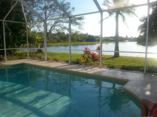 Relaxing retreat with pool and long lake view. - Fort Myers vacation rentals