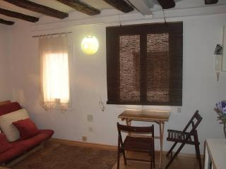 Born Central Barcelona Flat Close To The Beach - Barcelona vacation rentals