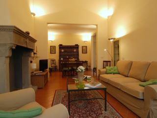 Moro Apartment: in the city centre! - Florence vacation rentals