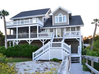 The Southern Pearl...... Large Oceanfront 5 Bedroom Kid Friendly House - Harbor Island vacation rentals