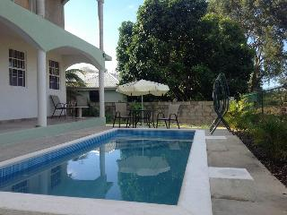 Spacious one bed Apartment at Chelsea Villas - Maxwell vacation rentals