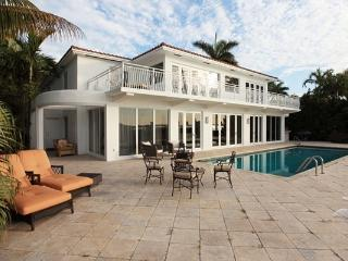 Villa Paris breathtaking modern beauty on North Bay Road - Miami Beach vacation rentals