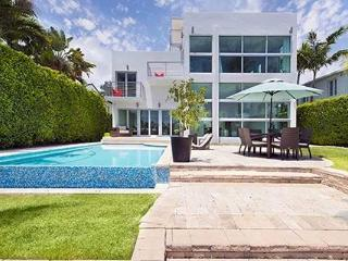 Villa Magnetic Modern Mansion with Connected Guest House - Miami Beach vacation rentals