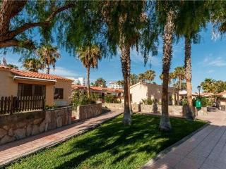 Holiday resorts for 4 persons, with swimming pool , in Playa del Ingles - Grand Canary vacation rentals