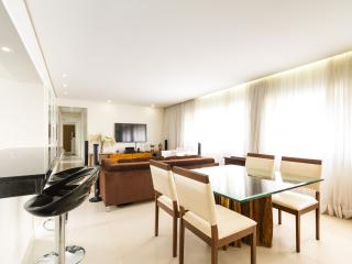 Inviting 3 Bedroom Apartment in Jardins - Buenos Aires vacation rentals