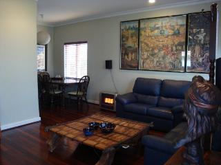 Trish Cottage Myaree, Perth - Greater Perth vacation rentals