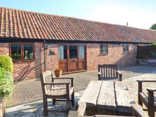 THE LAMBINGS all ground floor, pet-friendly in Snape Ref 28164 - Suffolk vacation rentals